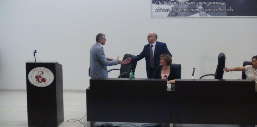 """Istituto De Sanctis, il preside Ferrante va in pensione: """"Grazie per tutto quello che ha fatto"""""""