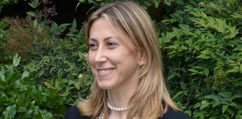 """Simona Agnes modera la presentazione del libro di Cantone """"La corruzione spuzza"""""""