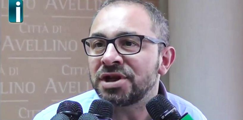 """Istituto comprensivo """"Perna-Alighieri"""", interrogazione parlamentare di Giordano"""