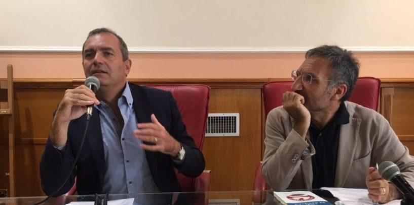 """""""Dentro l'Irpinia, fra risorse e suprusi"""", De Magistris al Circolo della Stampa"""