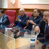"""VIDEO/ I leader del Pd irpino intorno ad un tavolo, De Blasio: """"Stop agli scontri, riscopriamo l'orgoglio di essere Pd"""""""