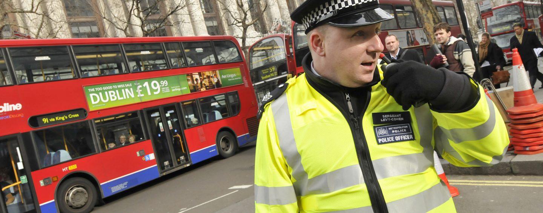 Esplosione nella metropolitana di Londra: diversi feriti