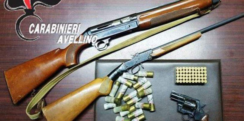 Dimentica di comunicare il trasferimento delle armi, i carabinieri gli sequestrano cinque fucili e due pistole