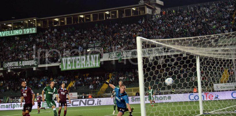Derby da incubo: la Salernitana ribalta l'Avellino. Rivivi il live