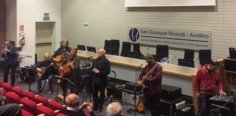 Moscati, la Nuova Compagnia di Canto Popolare regala emozioni ai pazienti