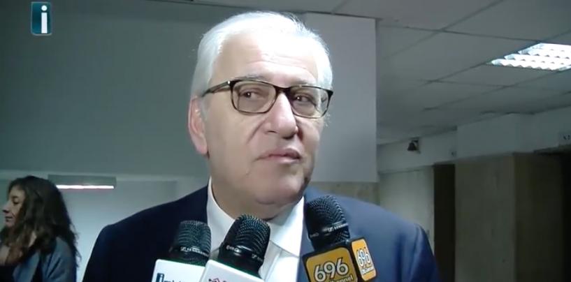 """Foti sulle scuole: """"Non mi sento un perseguitato. Caserma ed ex Moscati? Non sono del Comune"""""""