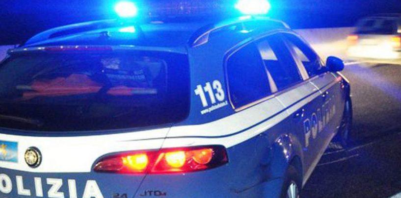 Sgombero ad alta tensione: chiodi e benzina contro la polizia