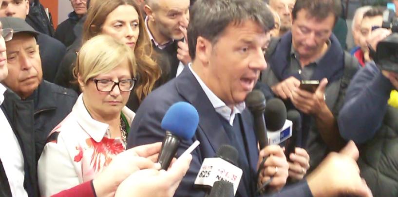 """Visita lampo di Renzi all'Ex Irisbus: """"Emozionante salire su un autobus prodotto qui"""""""