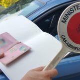 Contrada, fermato senza patente e assicurazione: denunciato