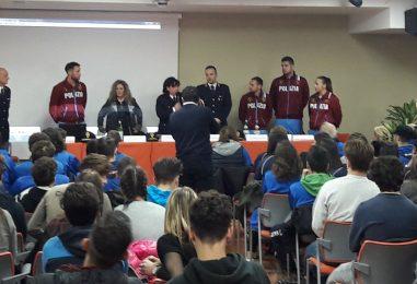 """VIDEO/ Polizia, Fiamme Oro e De Luca insieme per sport e legalità, il vicequestore Marino: """"Obiettivo fare prevenzione"""""""