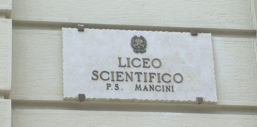 """Liceo """"Mancini"""": genitori, docenti e studenti chiedono la sede unica per il prossimo anno scolastico"""