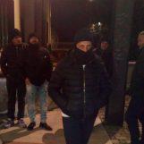 FOTO/ Al freddo e a stomaco vuoto: prima notte di digiuno per gli ex parcheggiatori