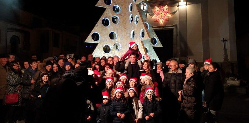 A Lapio si accende il primo albero enologico d'Italia