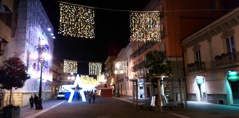 Avellino, ancora black out natalizio: luminarie non a norma