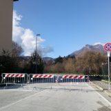 Contrada Quattrograne, strada invasa dal fango chiusa al traffico