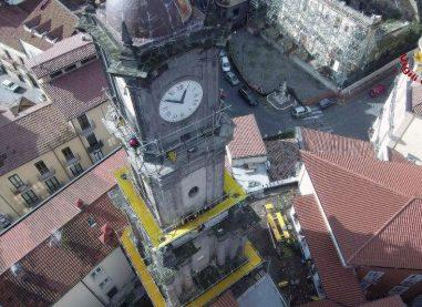 Torre dell'orologio: le foto dell'intervento dei caschi rossi