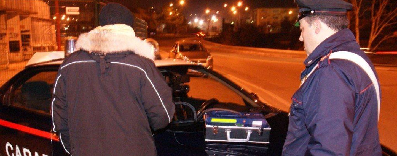Ubriaco alla guida: causa incidente e ne resta coinvolto
