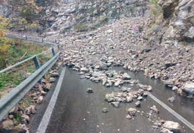 Isolati da tre mesi sul monte Faito, 17 bambini non possono andare a scuola. Gallo (M5S) chiede l'intervento del Miur
