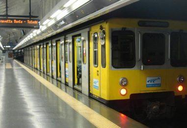 Napoli, i nuovi treni per la Metro non entrano nel tunnel