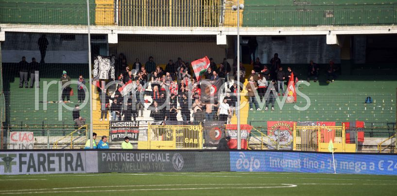 Avellino-Cremonese, striscione non autorizzato: i tifosi ospiti se ne vanno