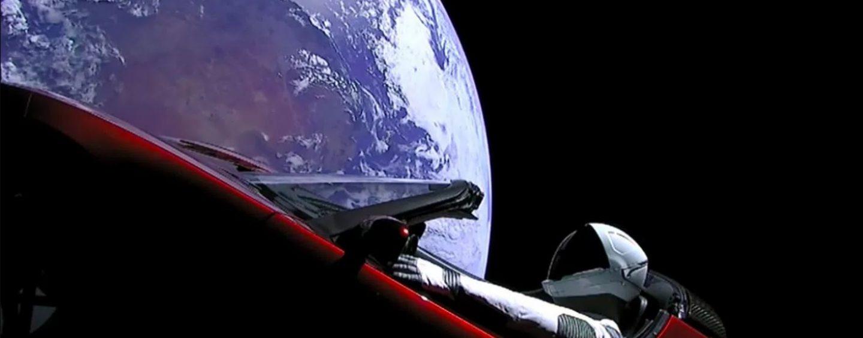 In auto verso Marte, ascoltando Bowie: è un successo la missione spaziale di Elon Musk