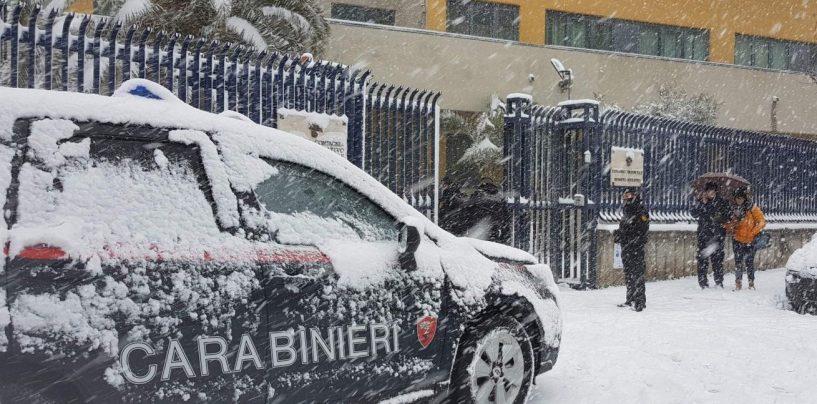 Bloccati dalla neve verso l'ospedale, vitale intervento dei Carabinieri per tre anziani