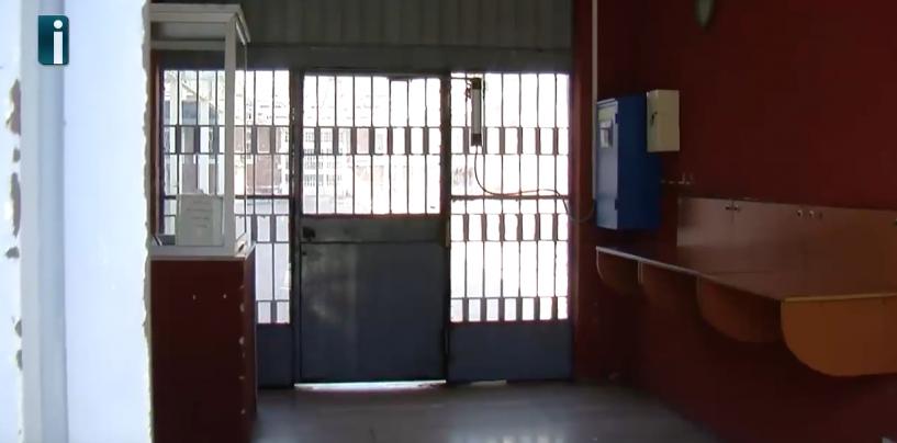 Prova ad introdurre droga nel carcere di Bellizzi, ma viene bloccato dall'unità cinofila