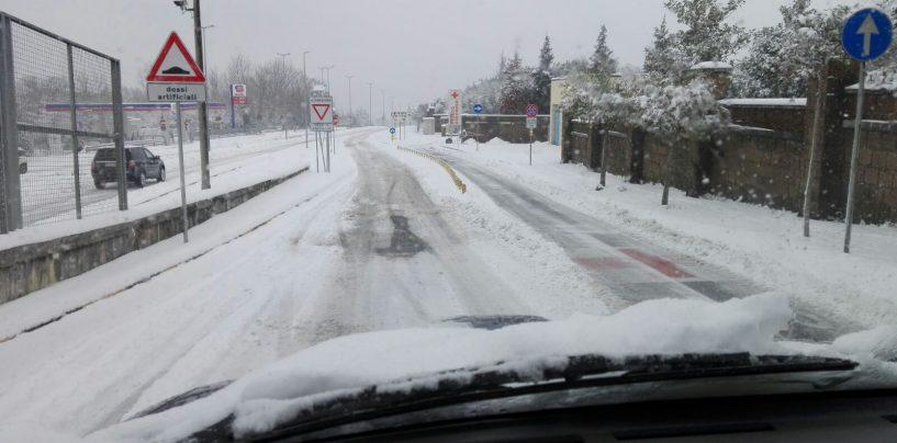 Neve, la Provincia al lavoro sulle strade di competenza con 52 mezzi e 60 uomini