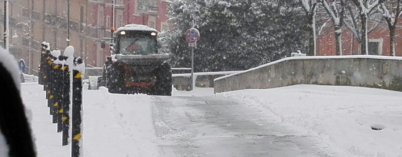 Arriva la neve in Irpinia, scattano le prime ordinanze di chiusura scuole