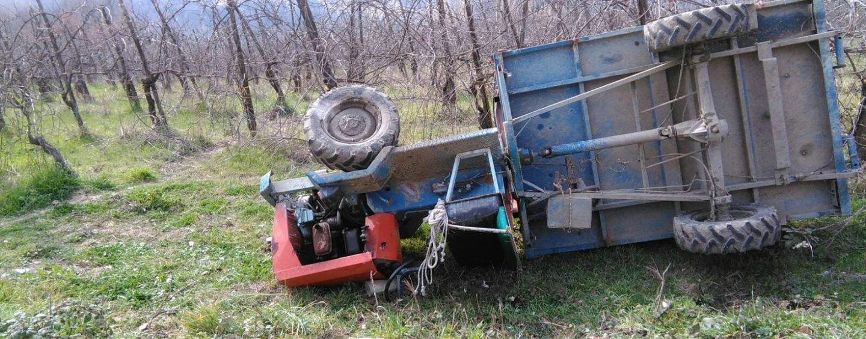 Tragedia in un castagneto: 46enne muore travolto dal trattore