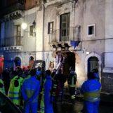 Esplosione in una palazzina: muoiono tre persone, due sono vigili del fuoco
