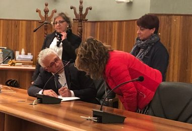 """Grande successo a Grottaminarda per la presentazione del libro """"Nel suo piccolo anche Marangio s'incazza"""""""