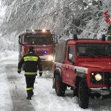 Disagi neve in Alta Irpinia: vigili del fuoco in azione