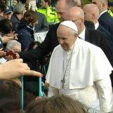 """VIDEO/ Un viaggio tra i fedeli nel sondaggio di Irpinianews: """"Papa Francesco, la mia àncora di salvezza"""""""