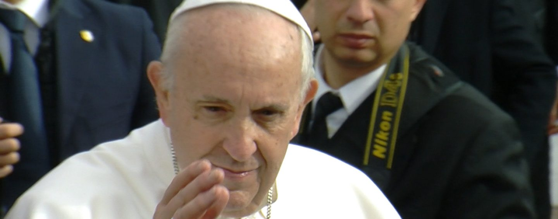 Violenza sulle donne, le scuse del Papa