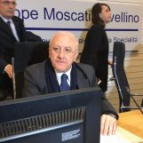 Prevenzione del tumore, De Luca in città per la nuova unità mobile di screening