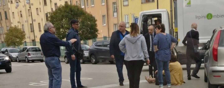 Atripalda, paura in via Aversa: auto investe una donna