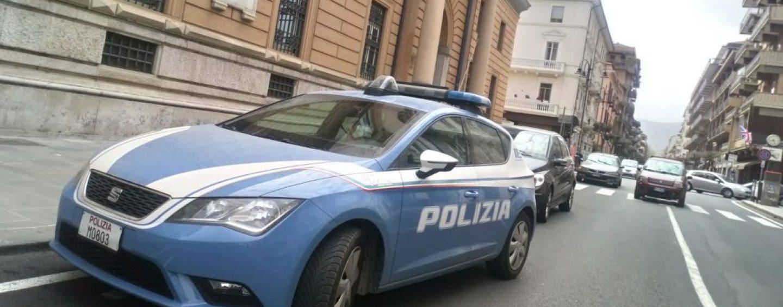 Paura alle Poste Centrali, si pensa a una rapina: bloccato un uomo