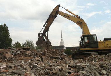 Abusivismo edilizio, demolito un immobile nel beneventano