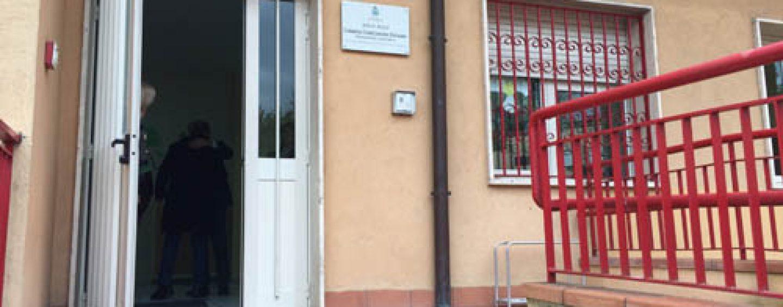 L'asilo infestato dagli insetti resterà chiuso anche lunedì: la decisione di Foti
