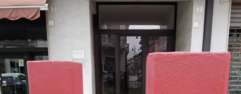Rimosse le teste de 'I Pensatori' in città: necessaria pulizia delle sculture