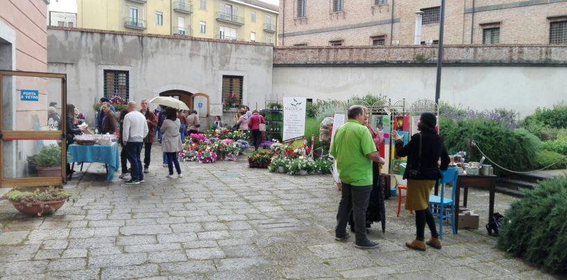 Il giardino dell'ex Carcere Borbonico si trasforma in un market di artigianato e design