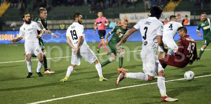 Castaldo, urlo sulla salvezza: l'Avellino supera lo Spezia