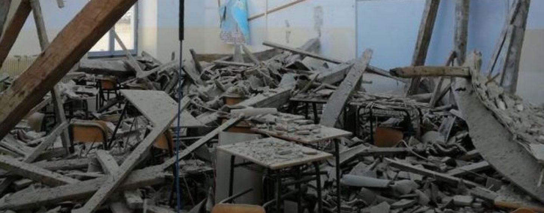 Fermo, crolla il tetto di una scuola: tragedia sfiorata