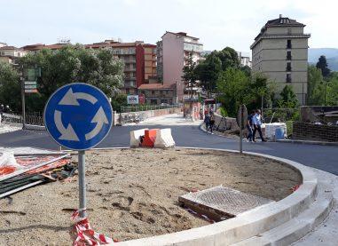 """Il ponte della Ferriera viene liberato, l'ironia degli avellinesi: """"E' nata la bambina"""""""