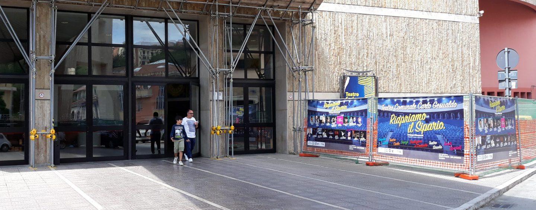 """Teatro: si rialza il sipario con Ranieri e Siani. Balsamo: """"Stop ai biglietti gratis"""""""