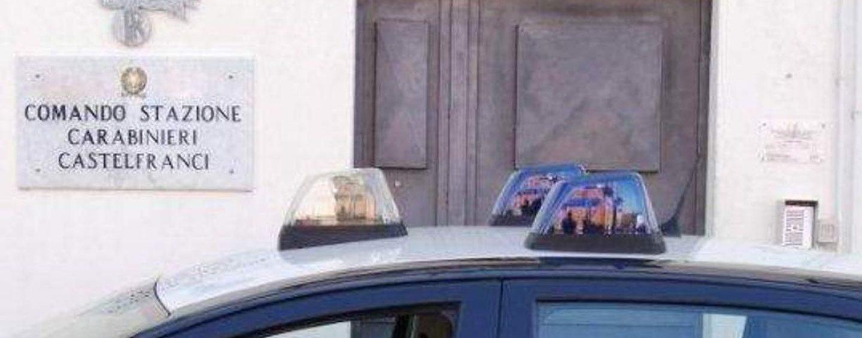 Sorpreso con due fucili in casa, denunciato 40enne