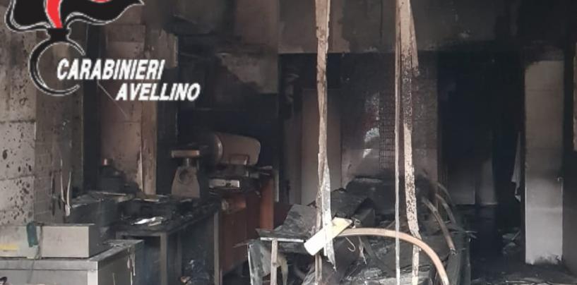 Macelleria distrutta dalle fiamme: s'indaga a Vallata