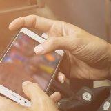 Ruba smartphone in una pizzeria: denunciato 50enne