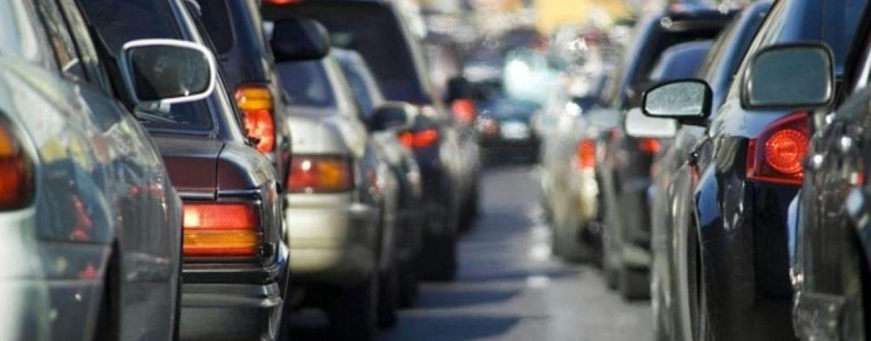 Lavori e traffico in tilt a Cardito: alla fine l'impresa smonta il cantiere